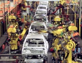 قیمت خودرو در ایران کاملا خیالی تعیین میشود/ایران خودرو و سایپا ورشکسته هستند و اصلا تولید اقتصادی انجام نمیدهند/قیمت خودرو مدرن باید مطابق ۶ ماه حقوق کارمند باشد/رقابت باشد قیمت خودرو یک سوم می شود