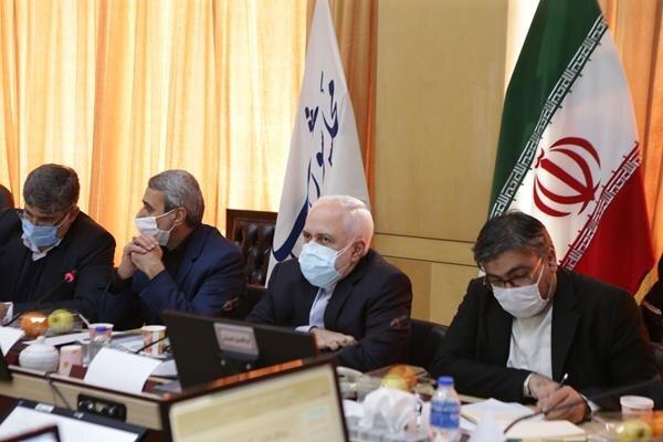 ظریف در جلسه انتقادی و چالشی کمیسیون امنیت ملی و سیاست خارجی مجلس:میدان و دیپلماسی در کنار هم منافع ملی را تامین می کند