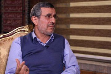 دولت احمدینژاد در حال تکرار است؟