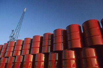 رویترز: ایران ۲۰۰ میلیون بشکه نفت آماده برای صادرات دارد