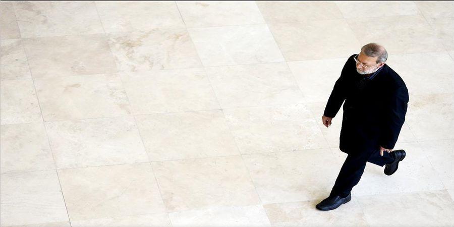 بمب خبری امروز /میرمحمدصادقی: استعفای لاریجانی با رهبری هماهنگ شده است